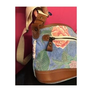 Beautiful Liz Claiborne floral print bag w leather